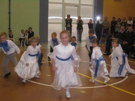 Zerówka zatańczyła polkę Tritsch-tratsch J. Straussa